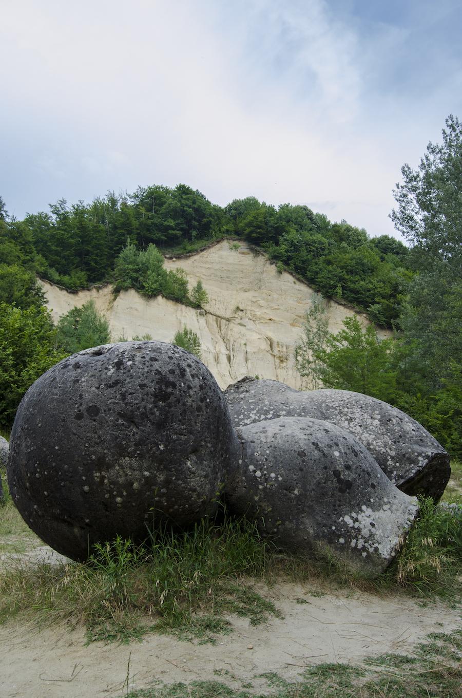 the-trovanti-museum-costesti-rowalk-6